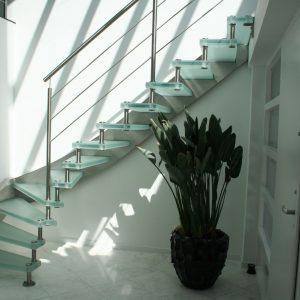 semi zwevende verlichte glazen kwartslag trap