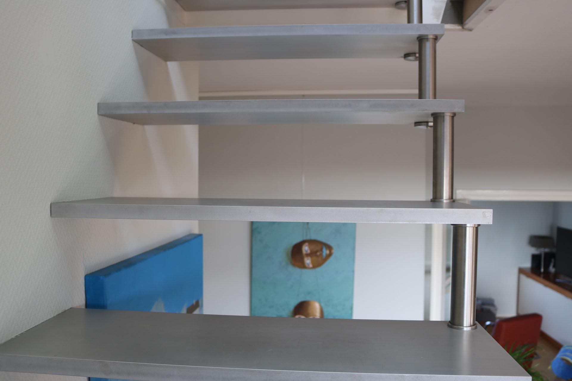 Open aluminium kwartslagtrap