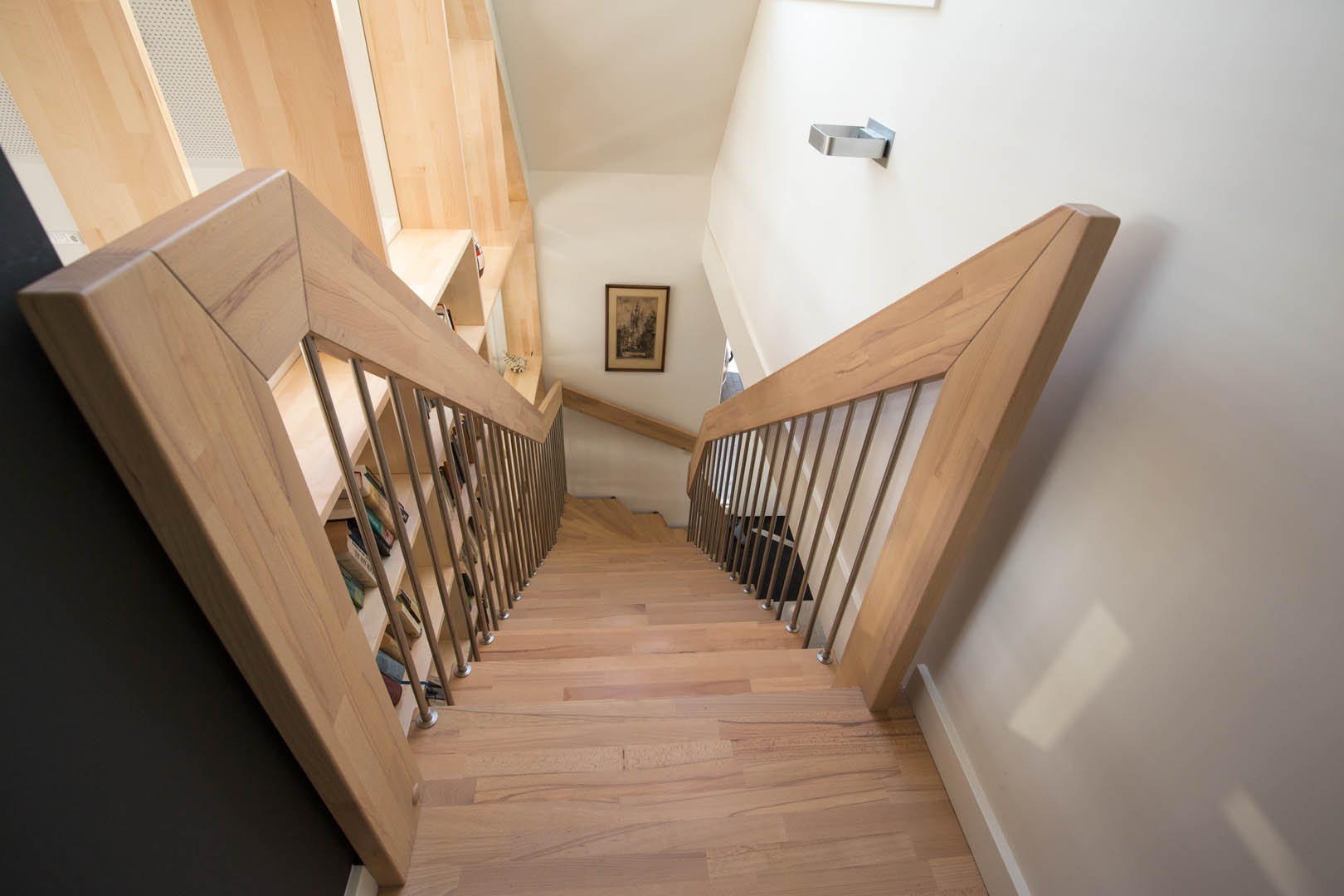 Semi zwevende bont beuken trappen met eindbordes 05